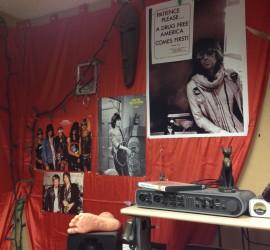 maQLu aka Pyra Draculea's jam space, showing Guns N Roses and Keith Richards posters